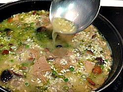 caldo de pollo en risotto