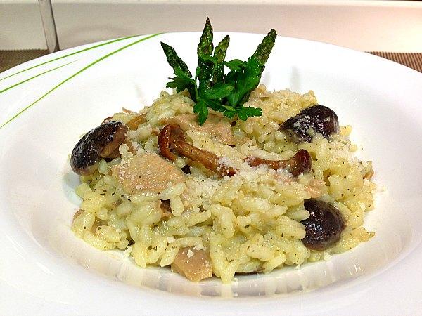 Risotto carnaroli con esp rragos y mezcla de setas deluxe for Como cocinar risotto de setas